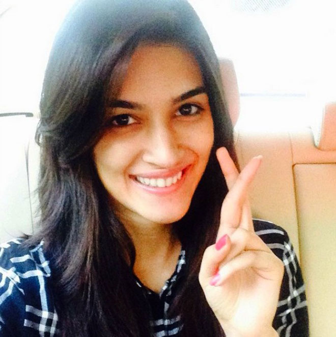 Bollywood Celebrities Without Makeup - Kriti Sanon