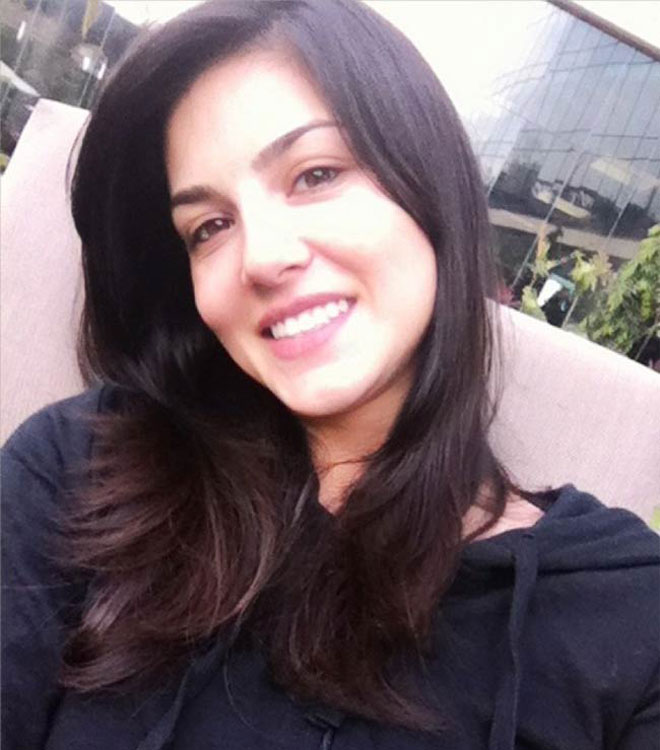 Bollywood Celebrity Without Makeup - Sunny Leone