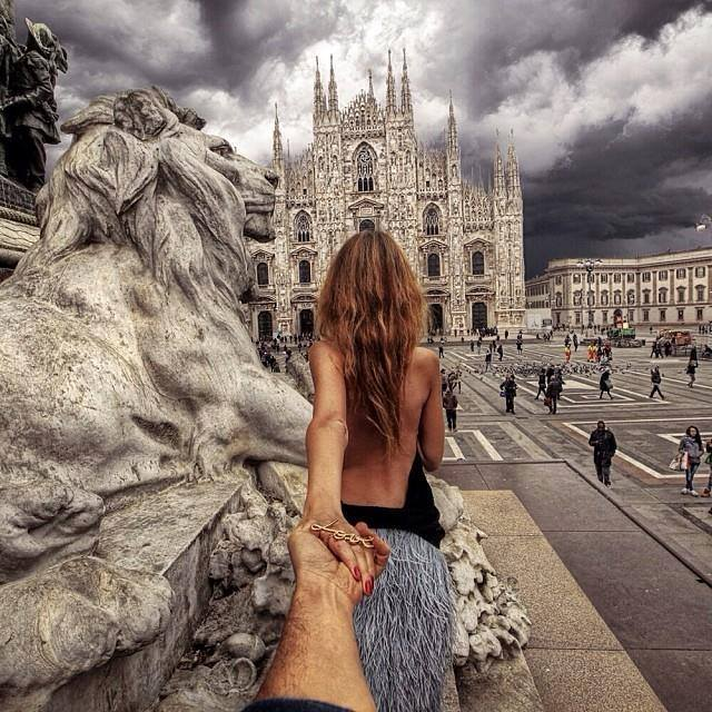 Murad Osmann chased to Piazza Del Duomo, Milan