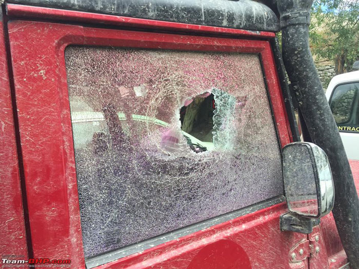 Travelers attacked by local travel tourism agency mafia in Leh, Ladakh region