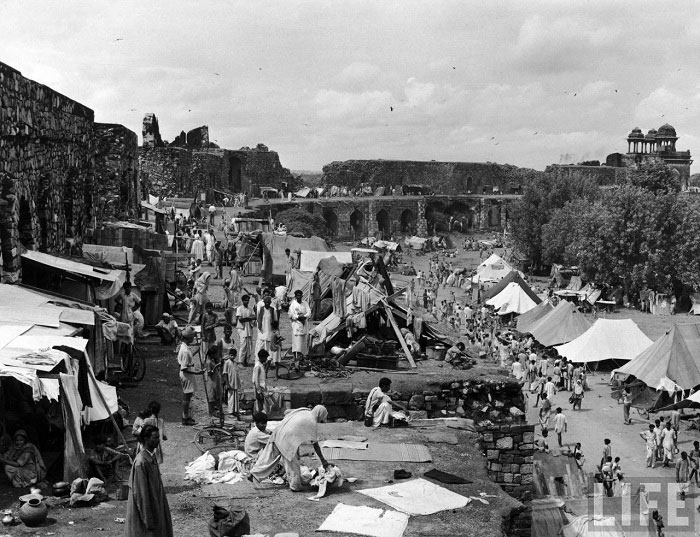 A moslem refugees camp near to Humayun's Tomb