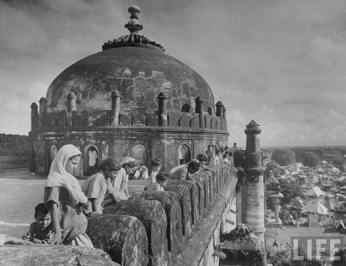 View at Purana Qila (Old Fortress) refugee camp