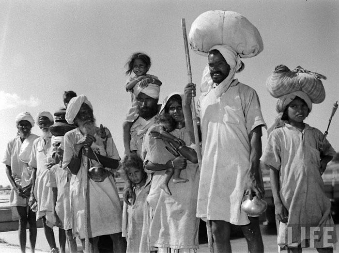 Sikh family migrating to India